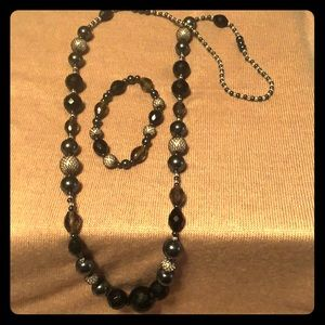 Jewelry - Beaded endless necklace and stretchy bracelet